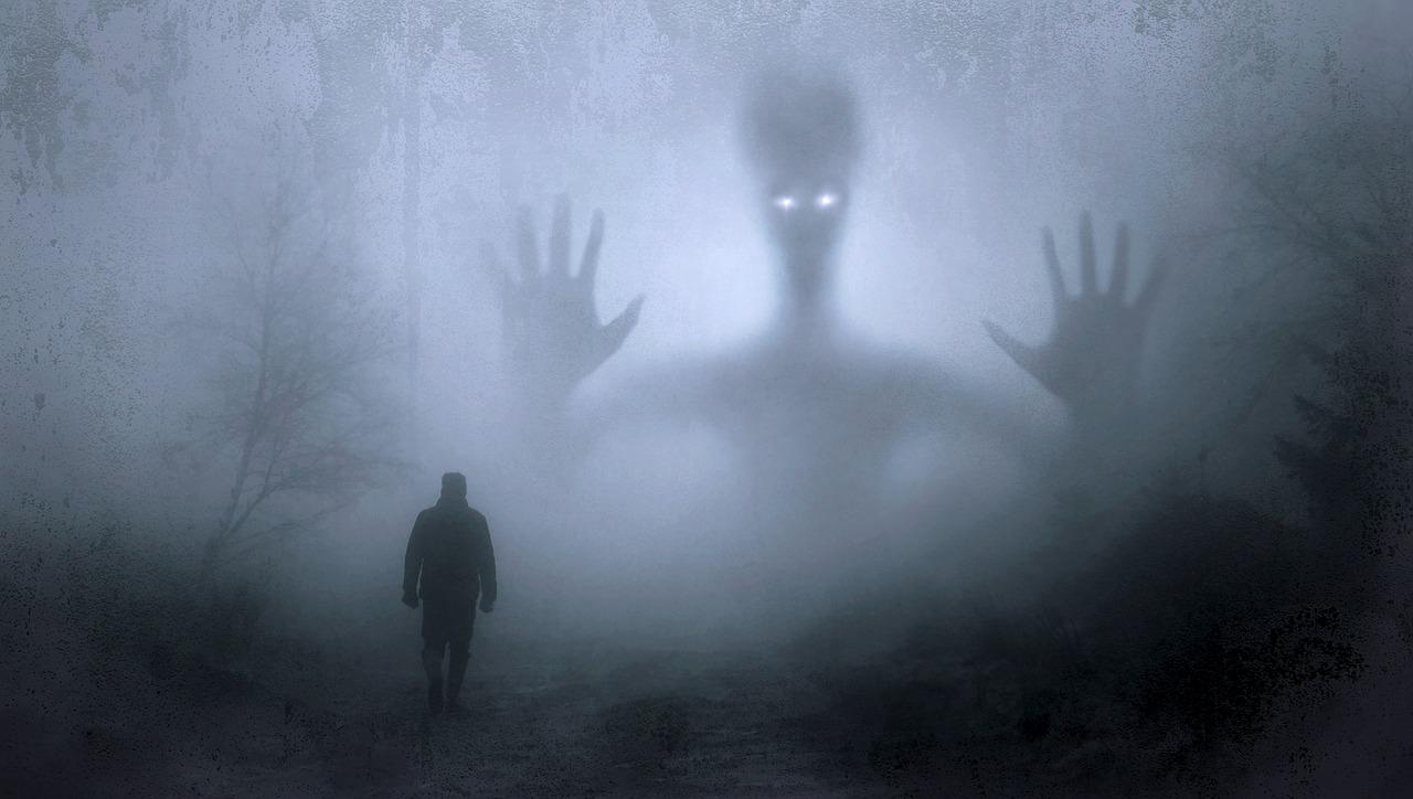 Spökvandring och lyskväll